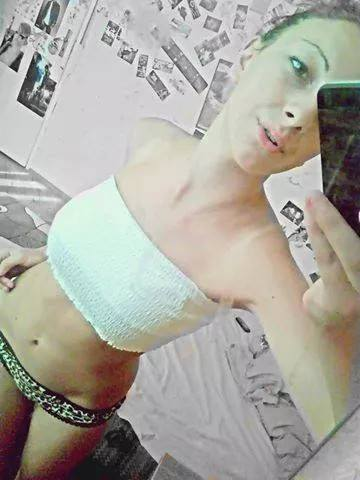 September from Kansas is looking for adult webcam chat